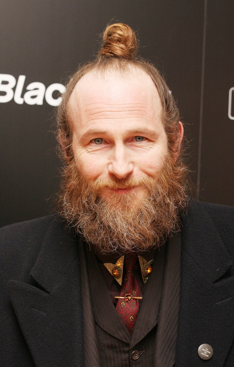 2ad2030f64db7d83847170813e9620c2-paul-kaye-beard-fashion